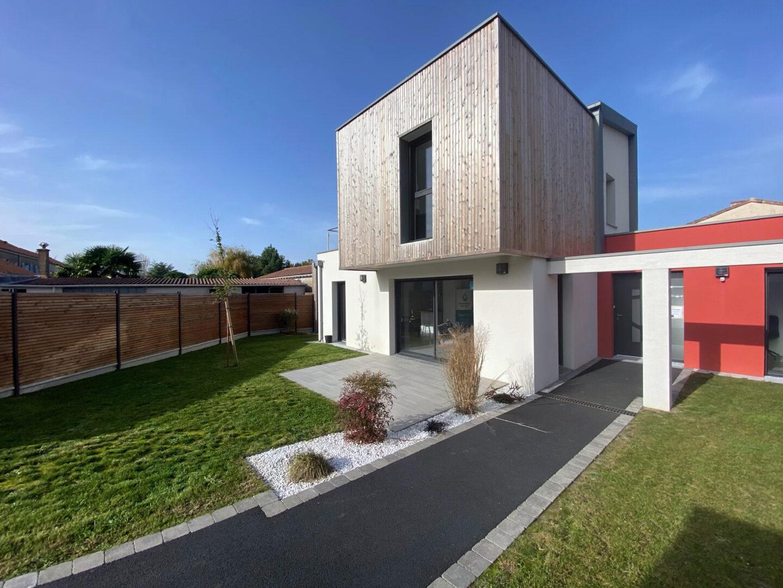 Maison-Bati-Activ-HAUTE-GOULAINE-Maisons-de-lAvenir-44-vue 2