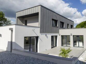 Maison Bâti Activ à Auray - vue exterieure - façade zinc